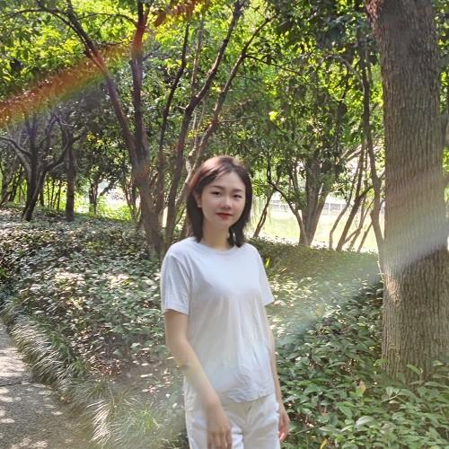 photo of Yixuan Huang